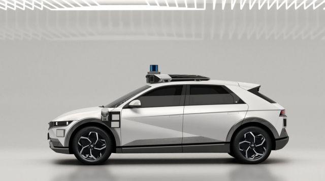 Hyundai показа как ще изглеждат роботизираните таксита