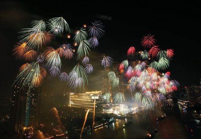 Светът посрещна Нова година