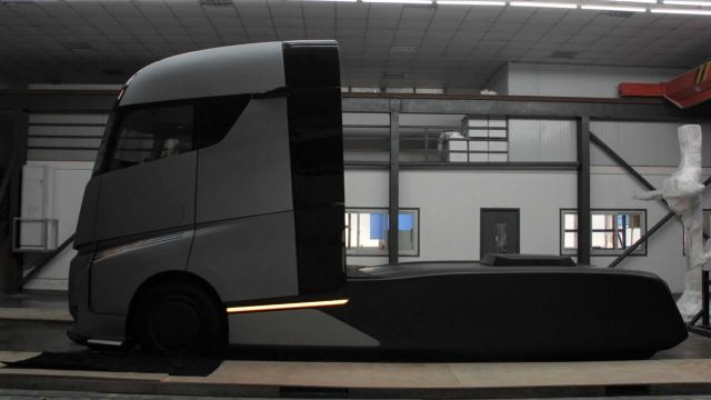 Нов електрически камион ще се бори с Tesla Semi