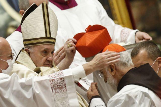 Папа Франциск ръкоположи 13 нови кардинали (СНИМКИ)