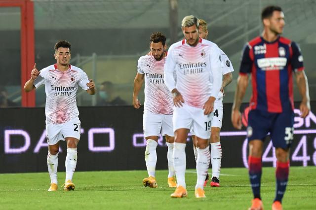 Милан взе успех срещу Кротоне със спорна дузпа и дебютен гол