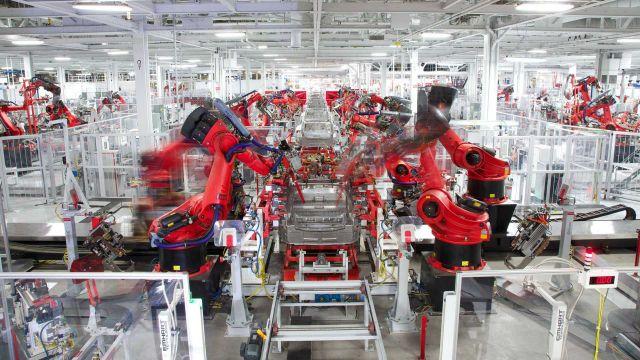Ето защо Tesla не бе засегната сериозно от кризата с полупроводници