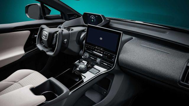 Новата електрическа Toyota с волан като при Tesla