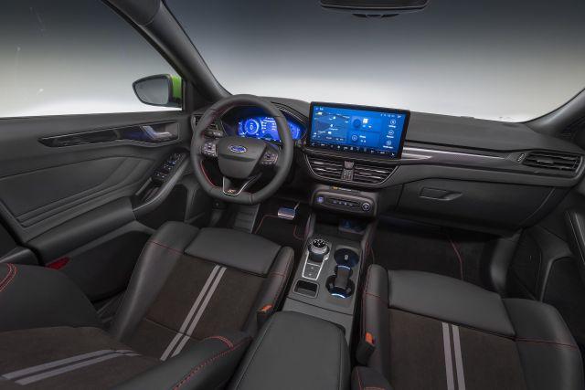 Новият Ford Focus дебютира с огромен екран в интериора