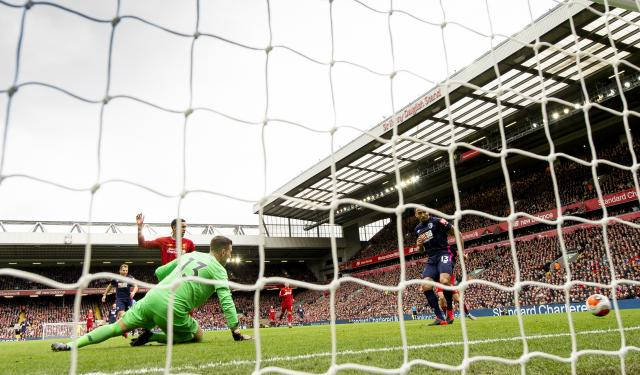 Ливърпул се върна към победите след обрат (ВИДЕО)