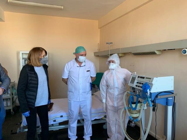 Откриха ново отделение за пациенти с COVID-19 (СНИМКИ)