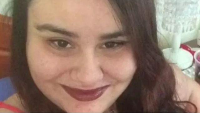 Жена обезглавила майка си, поискала от полицаите да я зашият