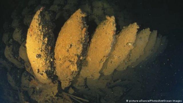 Бомба със закъснител цъка на морското дъно