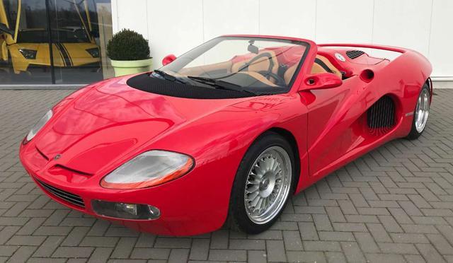 Продава се единственото в света Bizzarrini BZ 2001