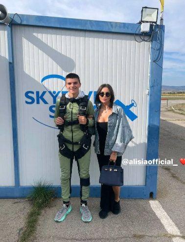 Валери Божинов с екстремен подарък за сина си, Алисия е наблизо!