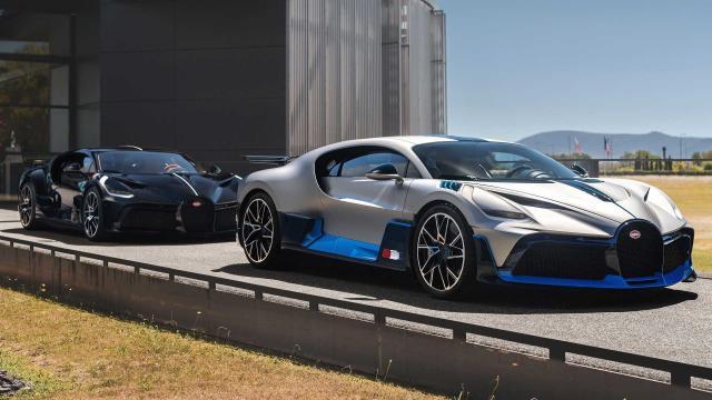 Bugatti показа първите изцяло завършени хиперкари Divo