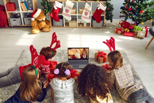 Дядо Коледа влиза в домовете с интерактивно видео