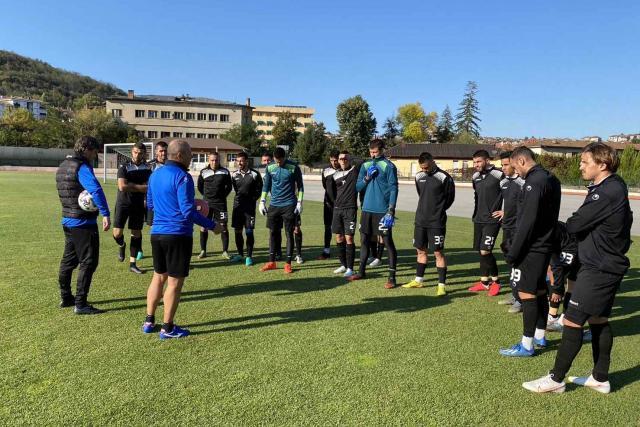 Черно море с последна тренировка в Дряново преди мача за Купата