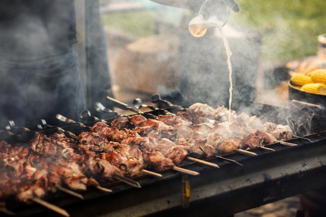 Как да изпечем на скара безопасно месо без канцерогени
