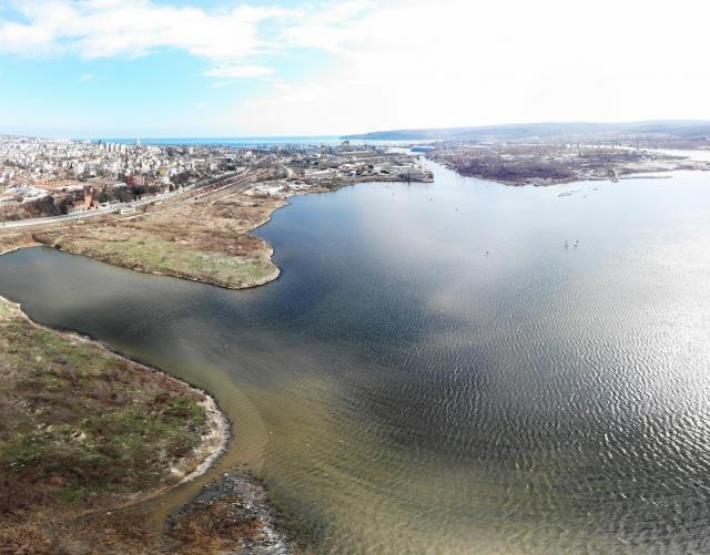 Фекалиите на Варна изтичат неконтролируемо в езерото (СНИМКИ)