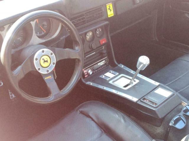 Продава се нещо средно между Porsche и Ferrari