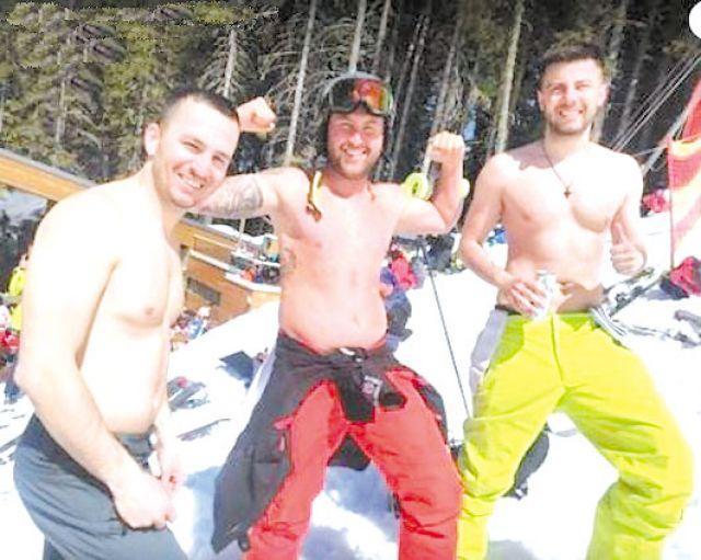 Скиори закриха сезона в Банско по бански (СНИМКИ)
