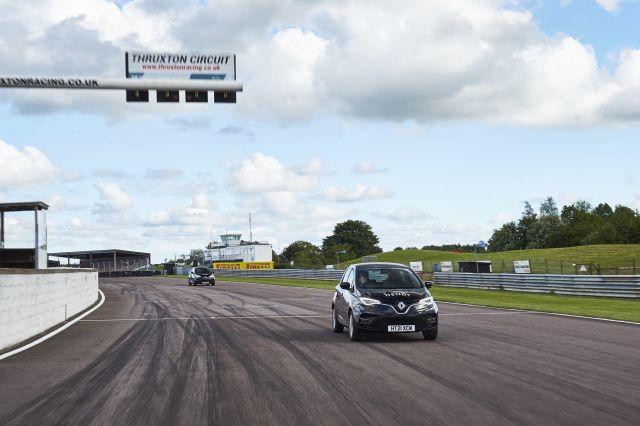 Renault Zoe измина над 760 км с едно зареждане благодарение на специални гуми