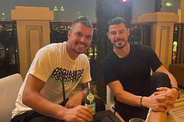Валери Божинов си почива в Дубай с