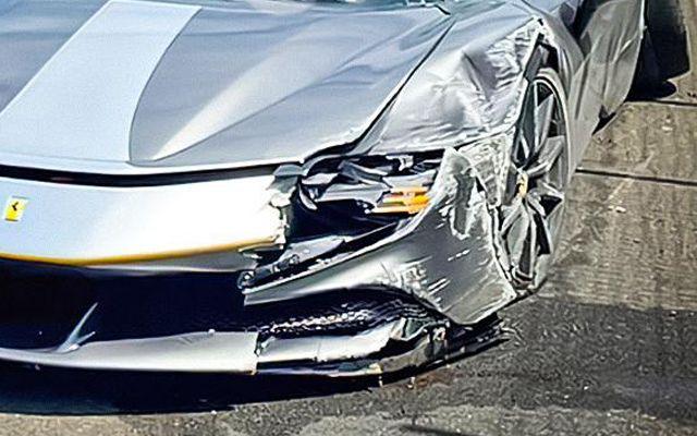 Най-бързото Ferrari се удари в бетонна стена