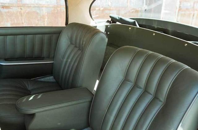 Продава се 60-годишен Mercedes-Benz за 450 000 лева