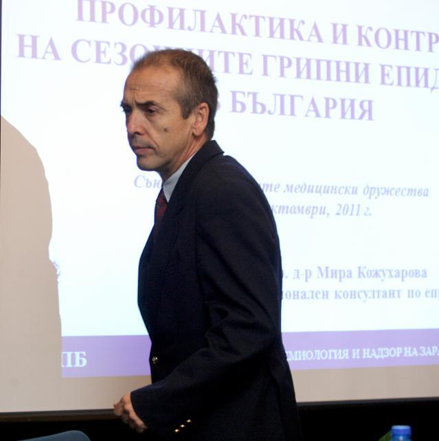 Доц. Мангъров пред ФАКТИ за вируса - къде бъркат щабът, политиците и Гешев