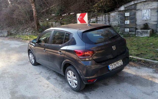 Тествахме новата Dacia с фабрична АГУ