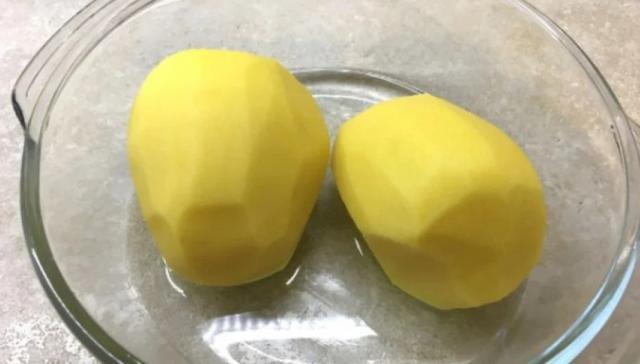 Как да сварим картофи без вода и тенджера за 10 минути