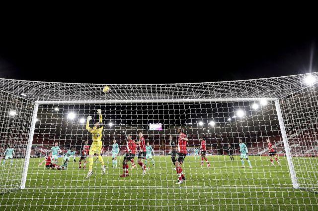 Саутхямптън нанесе втора загуба на Ливърпул след геройско опълчение (ВИДЕО)
