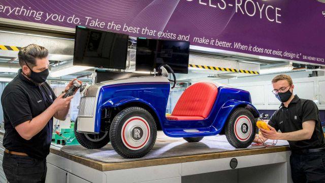 Rolls-Royce възстанови първата си електрическа кола