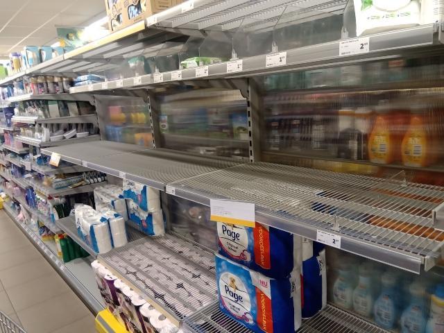 Наш студент в Нидерландия за ФАКТИ: Отвориха кофи шоповете, за да спре продажбата на трева