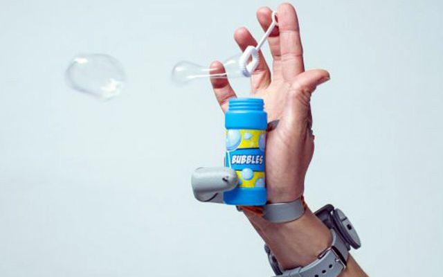Изкуствен шести пръст влияе върху работата на човешкия мозък
