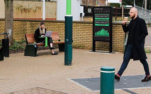 Как ще ги стигнем: Умни тротоари в Англия генерират електричество