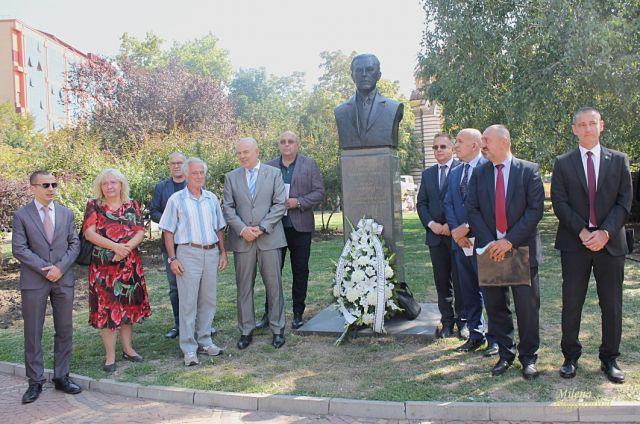 Американски президент с бюст-паметник в София (СНИМКИ)