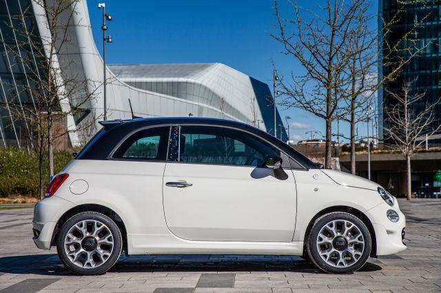 Fiat обедини сили с Google