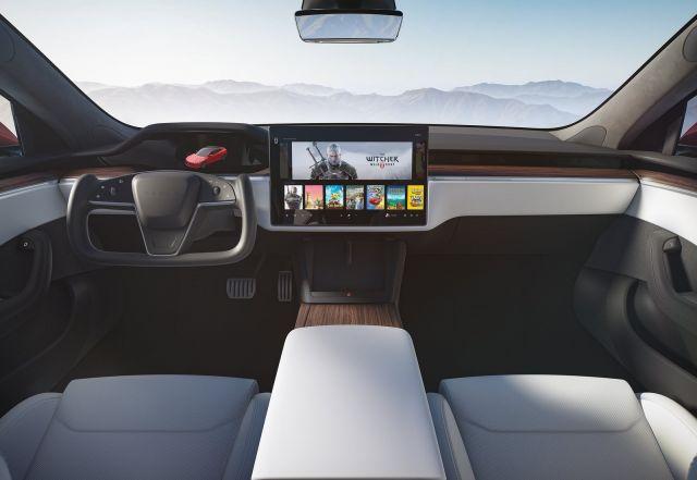 Tesla започна да доставя новия Model S Plaid и повиши цените с 10 хиляди долара