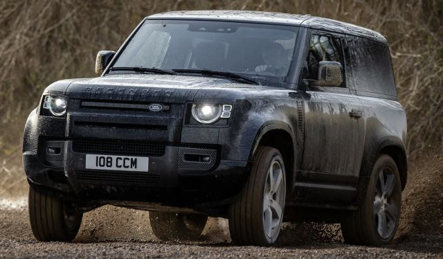 Land Rover не смогва с поръчките на Defender и Plug-In хибриди