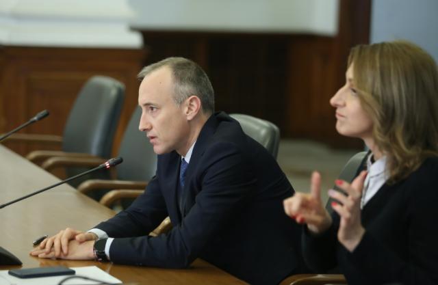 Министърът на образованието: Няма да има нулева учебна година