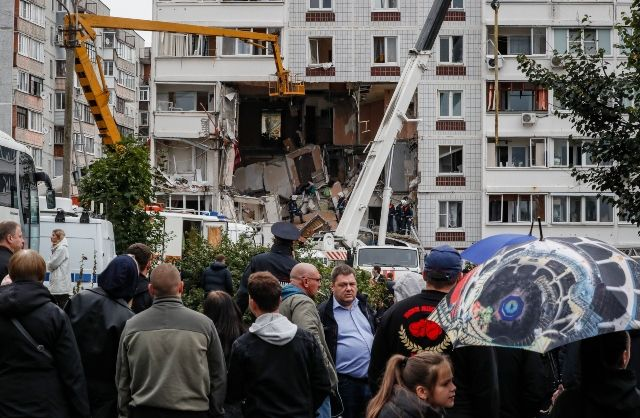 Експлозия в жилищен блок в Русия взе жертви (СНИМКИ + ВИДЕО)