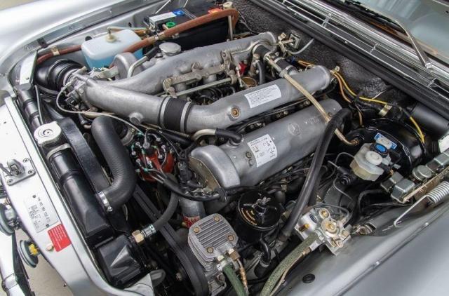 Продава се уникален колекционерски Mercedes 300 SEL 6.3 от 1969 година
