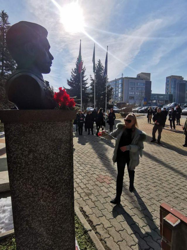 УниБИТ: Поклон пред паметта на Апостола на свободата (СНИМКИ)