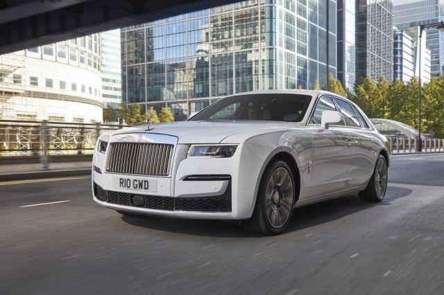 Кризата не важи за богатите: Rolls-Royce с рекордни продажби