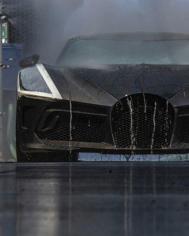 Най-скъпата кола в света харчи 22 л. на 100 км