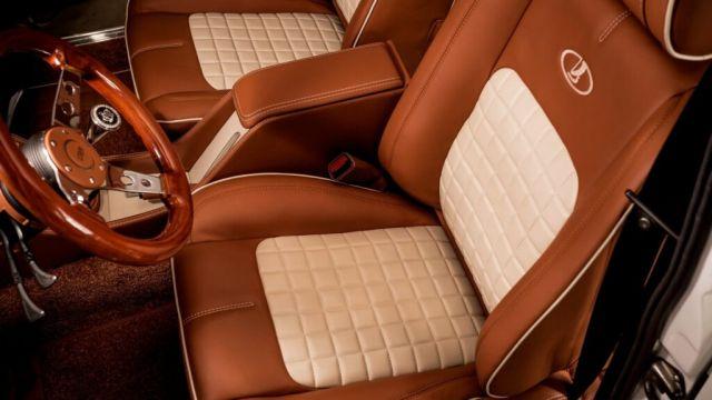 В България старо Жигули беше оборудвано със салон на ниво Rolls-Royce