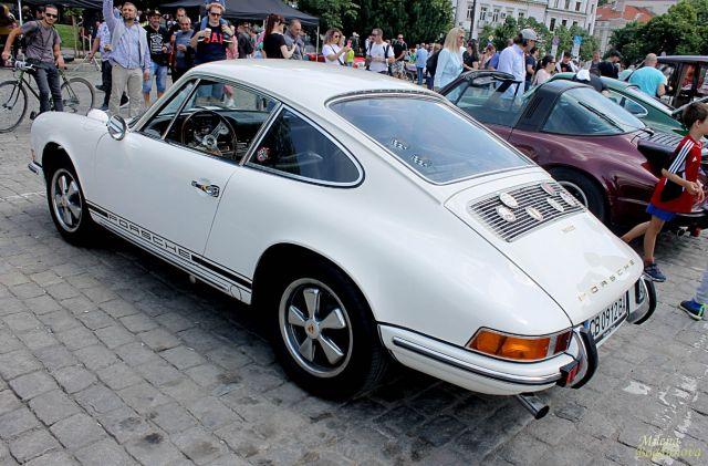Над 350 невероятни автомобила в центъра на София (СНИМКИ)
