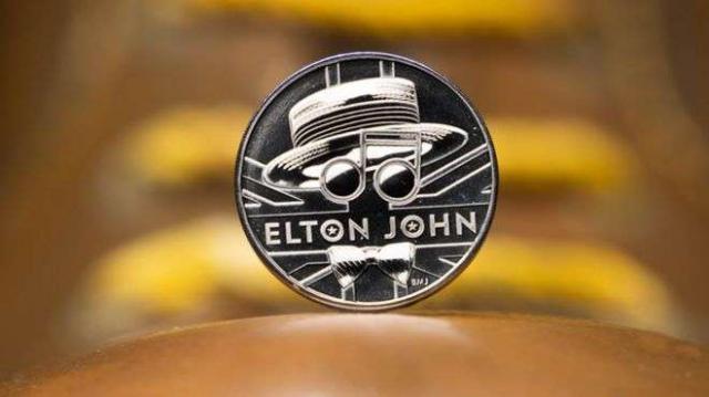 Монета в чест на сър Елтън Джон