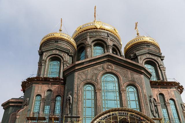 Русия строи гигантска църква с мозайки на Путин и Сталин (ВИДЕО+СНИМКИ)