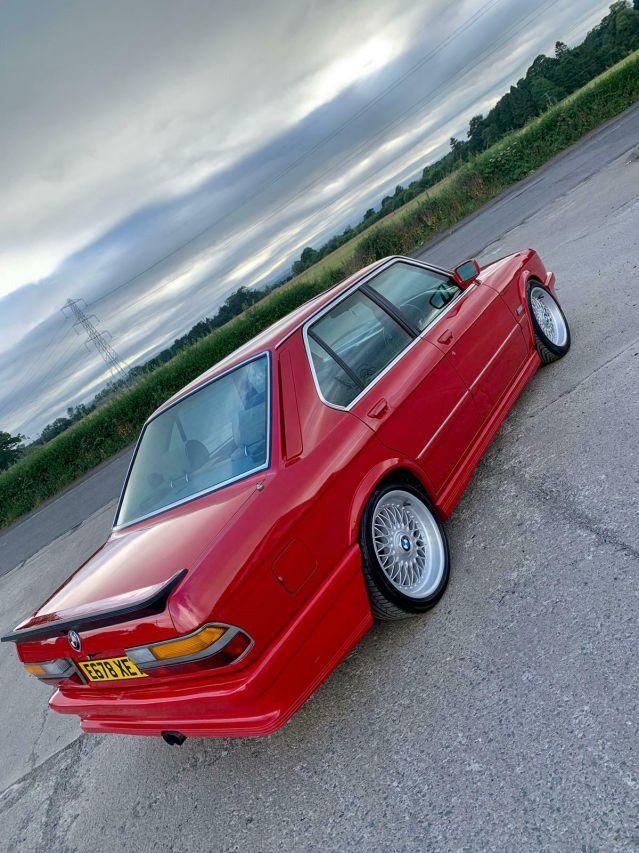 Под капака на това BMW 5 Series се крие двигател от... Mercedes