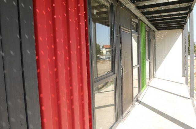 Иновативни жилища в София вече се населяват (СНИМКИ)