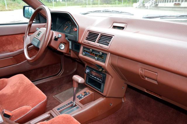 Продава се чисто нова Mazda 626 на 184 км